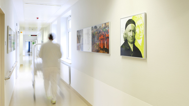 Das ansprechende Farbkonzept in der gesamten Klinik zeigt sich hell, freundlich und modern.