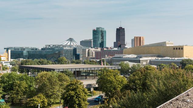 Der Blick vom Dach der Evangelischen Elisabeth Klinik auf den Potsdamer Platz.