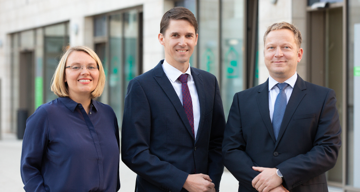 Pflegedirektorin Nadine Hanneke, Geschäftsführer André Jasper und  PD Dr. med. Maik Kilian, Ärztlicher Direktor