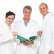 Das Leitungsteam der Klinik für Allgemein-, Gefäß- und Viszeralchirurgie am Martin-Luther-Krankenhaus: Oberarzt Dr. med. Wladimir Faber, Chefarzt Prof. Dr. Jan Langrehr und Leitender Oberarzt Dr. med. Peter Warnick