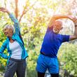 Volkskrankheit Arthrose: Wann der Zeitpunkt für ein künstliches Gelenk gekommen ist, ist keine leichtfertige Entscheidung. Eine gute und rechtzeitige Beratung hilft.