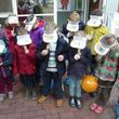 Coole Kids mit coolen Käppis: auch die Deko war auf den Maus-Türöffner-Tag abgestimmt.