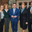 Die Minister Giffey und Heil mit dem Sprecher des Vorstandes der PGD gAG Andreas Mörsberger (re) und Irma Leisle (li), Leiterin des Stadtteil- und Familienzentrums und Geschäftsführerin Ute Köpp-Wilhelmus