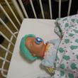 """Puppe Paula war eine sehr geduldige Patientin – inklusive Vorbereitung, """"OP"""" und Aufwachraum."""