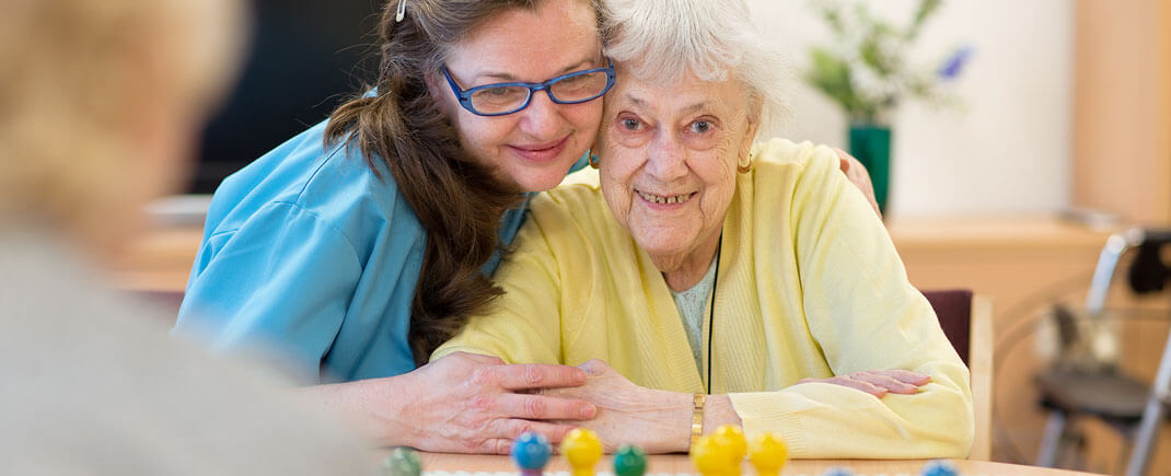 Wohnen und Pflege für Menschen mit Demenz