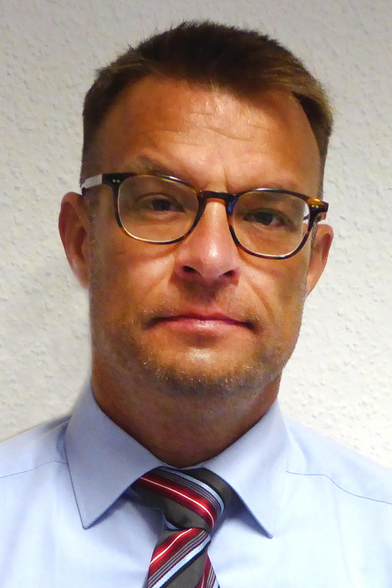 Dr. med. Sven Ballnus, MD, DEAA, EDIC, MHBA